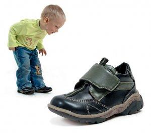 Правильно подбираем детскую обувь