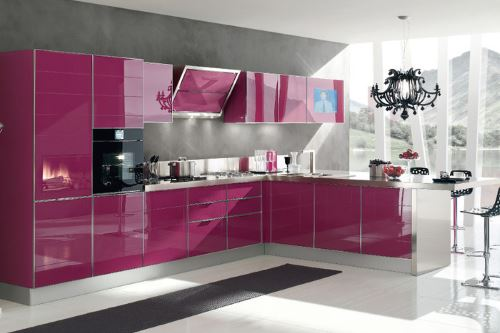 кухня цвета фуксия фото