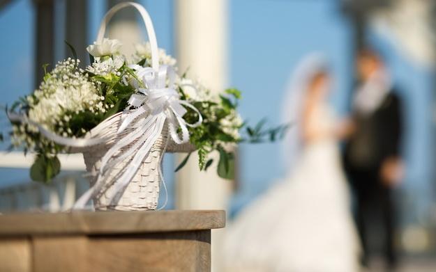 Какой подарок можно подарить на свадьбу