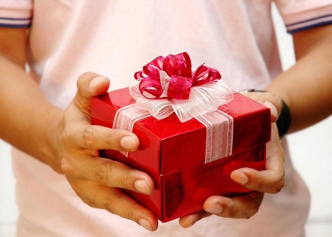 Какой подарок подарить маме на новый год