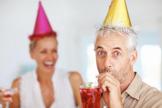 Что можно подарить свёкру на день рождения