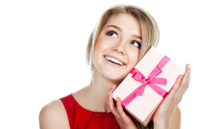 Что можно подарить однокласснице на день рождения