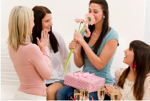 Что подарить подруге на девишник