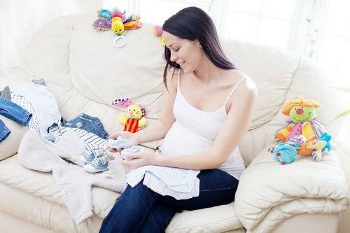 Качественные вещи для мам и малышей » ЧуДетство . ру   Календарь ... 4fc2f4a99fd