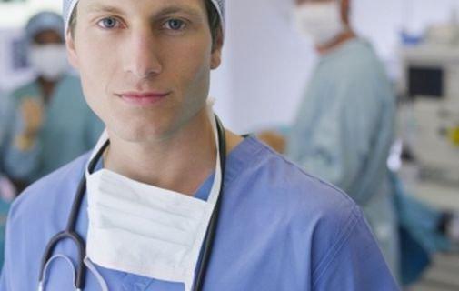 К какому врачу обращаться с почками