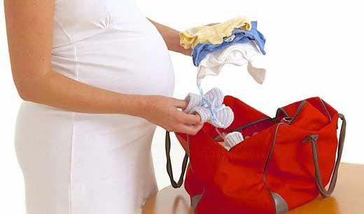 Советы школы будущих мам: что нужно взять с собой в роддом