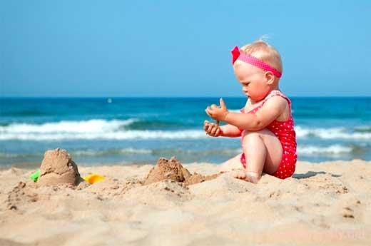 Поездка на море с грудничком: какие вещи нужны