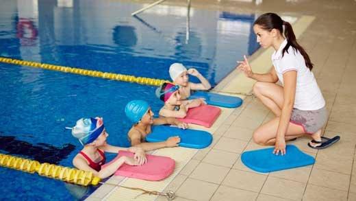 Фитнес с бассейном для детей: с какого возраста можно отдавать ребенка и стоит ли это делать