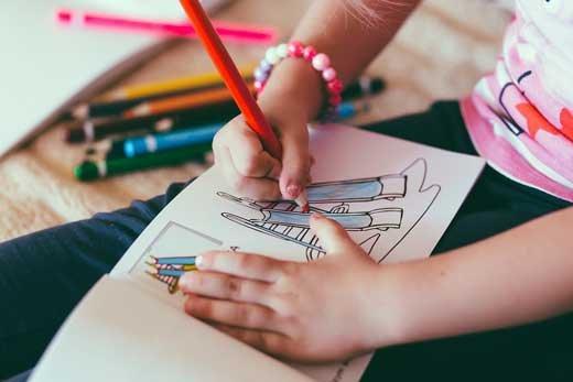 Частный детский сад: нужно ли переплачивать?