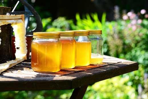 Мед – это очень странный предмет. Он, если есть, то его сразу нет